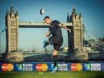 MasterCard、2015年開催 ラグビーワールドカップの 公式スポンサーとして記念イベン トを実施、ダン・カーターがキックオフ